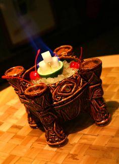 disneyland Uh Oa Bowl Available at Trader Sam's – Enchanted Tiki Bar at the Disneyland Hotel Disneyland Food, Disneyland Hotel, Disneyland California, Hotel California, Downtown Disney, Disney Parks, Tiki Art, Tiki Tiki, Tiki Glasses