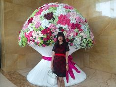 Feel small with Giant Flower Bucket