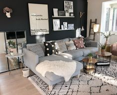 57 grey small living room apartment designs to look amazing 43 Apartment Living Room Amazing apartment Designs grey living room small Small Living Room Layout, Small Room Design, Small Living Rooms, Modern Living, Small Living Room Designs, Small Craft Rooms, Living Room Interior, Home Living Room, Living Room Decor