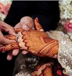Kashee's Mehndi Designs, Wedding Henna Designs, Mehndi Designs For Beginners, Mehndi Designs For Fingers, Latest Mehndi Designs, Mehndi Hairstyles, Pakistani Bridal Hairstyles, Kashees Mehndi, Bridal Mehndi