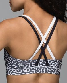 We designed this medium-support bra for the well-endowed among us. A wide band under the bust gives our ladies a ledge to lean on and the coverage in front ensures we're not exposing our assets. Jackets For Women, Sweaters For Women, Cute Bras, Women's Sports Bras, Athletic Outfits, Outerwear Women, Workout Wear, Fitness Fashion, Lululemon