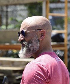 Not the best pic but wanted to share Bald Guys With Beards, Shaved Head With Beard, Bald With Beard, Beard Fade, Grey Beards, Viking Beard Styles, Faded Beard Styles, Beard Styles For Men, Bald Look
