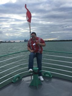 """Jason Hartless thinking about tomorrows """"Mail"""" and knowing their ship is """"sinking"""" #PrudentialSecurity #BOMA #Detroit #DetroitRiver"""