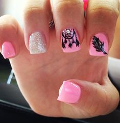 Pink polish is undoubtedly one of the most cute and girly option for manicure. Especially our days when baby pink nails decorated with rhinestones, studs Fancy Nails, Love Nails, Pink Nails, Pretty Nails, My Nails, Dream Nails, Feather Nail Art, Super Cute Nails, Cute Nail Art