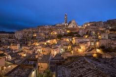"[World Heritage] southern Italy in Matera, fantastic ""cave dwelling"" of the night (image)"