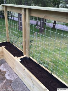 There are many benefits to using raised vegetable garden beds in your garden. For starters, elevated garden beds are easier on your back and knees because they require less bending, kneeling and crawling than . Patio Fence, Backyard Fences, Garden Fencing, Backyard Landscaping, Diy Fence, Fenced Garden, Garden Mesh, Garden Hedges, Backyard House