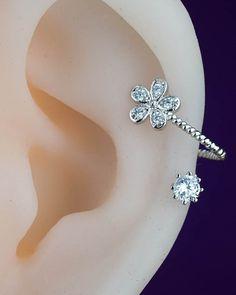 cartilage earring - cartilage piercing - cartilage stud - flower floral cute unique - silver cartilage earring-helix earring, helix piercing