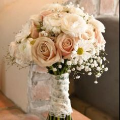 Simple Wedding Flowers Bouquets