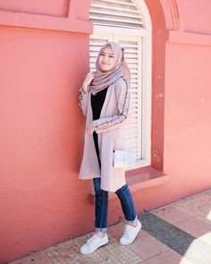 Best Ideas For Style Hijab Remaja Gemuk hijab remaja gendut Hijab Casual, Hijab Chic, Casual Outfits, Fashion Outfits, Modern Hijab Fashion, Street Hijab Fashion, Muslim Fashion, Korean Fashion, Hijab Mode Inspiration
