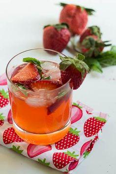 How to Strawberry Mojito