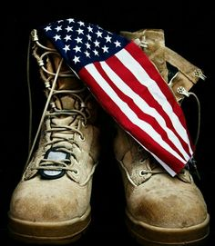 """seasonalwonderment: """" May 2015 ~ Memorial Day Remembering all those who died while on active duty in the US armed forces. Military Mom, Army Mom, Military Signs, Military Party, Photomontage, Voyage Usa, Patriotic Pictures, Marine Mom, Marine Corps"""