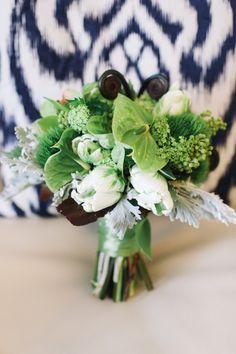 modern wedding boquet