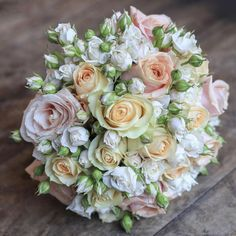 Hurrah for pretty flowers! #mcqueens #flowers #florist #london #weddingflorist #weddingfloristlondon #mcqueensweddings #bouquet #weddingbouquet #bridalbouquet