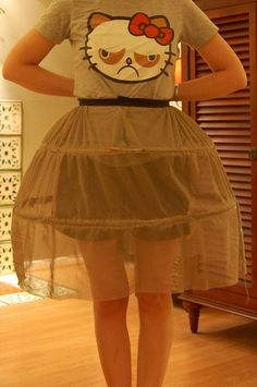 Perfect HOOP SKIRT - only need 2 levels like this and then have black skirt over top Costume Tutorial, Skirt Tutorial, Diy Dress, Dress Up, Hoop Skirt, Corset Pattern, Skirt Outfits, Dress Patterns, Fashion Dresses