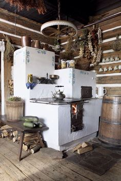rustic kitchen-love it! A great masonry/cob stove idea Cooking Stove, Cooking Lamb, Cooking Turkey, Rocket Stoves, Earthship, Design Case, Country Living, Tiny Homes, Sweet Home