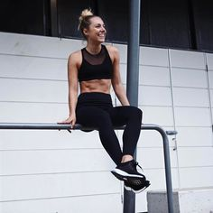 Whenever it relates to simple fitness routines, you do not actually have to attend the gym to obtain the full effects of working out. You can actually tone, shape, and strengthen your body in a few basic steps. Fitness Motivation, Fit Girl Motivation, Fitness Goals, Fitness Routines, Body Inspiration, Fitness Inspiration, Posi, Sarah Day, Legging Sport