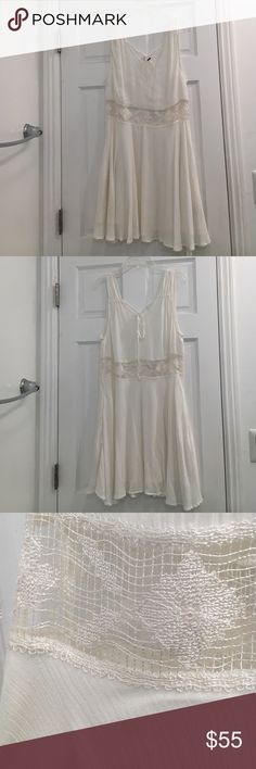 Free People White Crochet Detail Dress Beautiful white dress with crochet detail and hidden pockets. Perfect for summer! Barely worn. Free People Dresses Mini