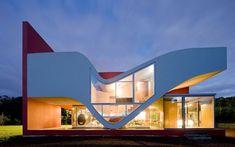Voo de pássaro foi o nome dado pelo arquiteto Bernardo Rodrigues para esta casa, em Açores. Foto: Iwan Baan