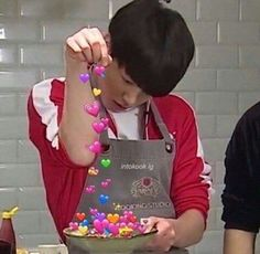 ideas memes bts para contestar jungkook for 2019 Bts Emoji, Bts Cute, Bts Meme Faces, Funny Faces, Heart Meme, Cute Love Memes, Bts Memes Hilarious, Kpop Memes, Bts Reactions