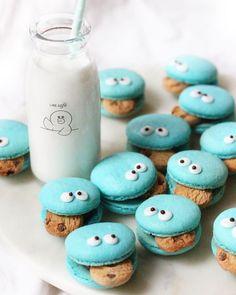 いいね!5,789件、コメント96件 ― Michelle Lu 🍡さん(@sweet_essence_)のInstagramアカウント: 「C is for cookie and cookie is for me 🍪😜 Happy Tuesday with Cookie Monster macarons!…」