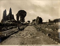 The Appian Way, an ancient road of Italy extending 560 km from Rome to Brindisi. Appian Way, Ancient Rome, Roman Empire, Old Photos, Vintage Photos, Wonderful Places, Archaeology, Monument Valley, Countryside