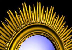 Detail zrkadla zlatá farba