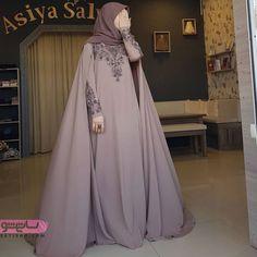 Image may contain: one or more people Hijab Gown, Hijab Dress Party, Hijab Style Dress, Hijab Chic, Muslimah Wedding Dress, Muslim Wedding Dresses, Muslim Dress, Wedding Abaya, Niqab Fashion