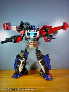 forget poseability. Even if you adjust TF-01's joints by loosening the screws, God Ginrai will either be top heavy or keep losing his legs. He's strictly a display piece: #Transformers #Masterforce #OptimusPrime #Ginrai #GodGinrai #Xovergen