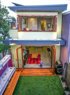 Eksterior belakang desain rumah minimalis 2 lantai