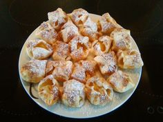 ZMUCHLANCI s jablkem a skořicí | NejRecept.cz Apple Pie, Nutella, Treats, Cheese, Baking, Cake, Ethnic Recipes, Sweet, Food