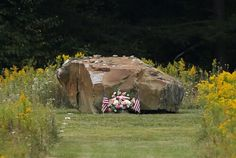A boulder marks the crash site of Flight 93 at the Flight 93 National Memorial in Shanksville, Pa. after a Service of Remembrance on the anniversary of the Sept. Moment Of Silence, A Moment In Time, Twin Towers Memorial, Flight 93, We Will Never Forget, Don't Forget, 13th Anniversary, 911 Memorial, Amazing Pics