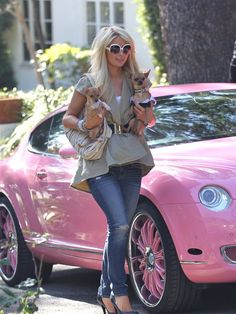 Paris in LF looking fab and casual with her cute Chihuahua dogs and her famous pink Bentley :D xoxo