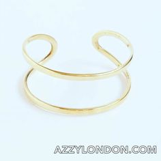 This stunning Tuareg bangle by @soul_design_jewellery is a design that the Tuareg people wear in the Sahara Desert. Handmade in 100% brass. Available to buy from Azzy (link in bio) or on #NOTHS. From 25. #ethicalfashion #boho #african #tuareg #ethnic #ethnicjewellery #jewellery #bangle #bracelets #bohojewelry