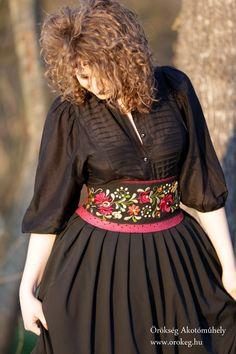 A beautiful embroidered dress from ÖRÖKsÉG