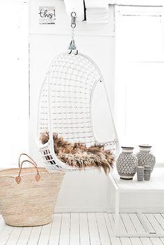 Living room : 79 Ideas Interior Inspiration, Design Inspiration, Boho Deco, Hanging Beds, Hanging Chairs, Interior Styling, Interior Design, Style Deco, Swinging Chair