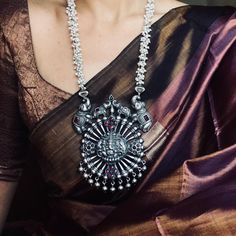 Gorgeous Long Necklace From Prade Jewels ~ South India Jewels Silver Jewellery Indian, Silver Jewelry, Jewelry Necklaces, Silver Ring, Silver Earrings, Indian Necklace, Onyx Necklace, Pretty Necklaces, Silver Charms
