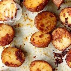 Запеченный в духовке картофель c сырной корочкой