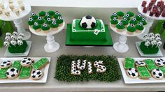 Decoracion futbol Soccer Birthday Parties, Monster Birthday Parties, Football Birthday, Soccer Party, Birthday Party Themes, Soccer Banquet, Messi Birthday, Soccer Birthday Cakes, Soccer Baby Showers