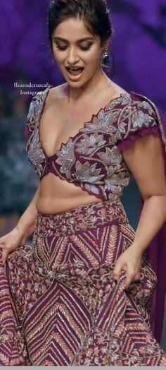 South Indian Actress BHOJPURI ACTRESS PRIYANKA PANDIT PHOTO GALLERY    4.BP.BLOGSPOT.COM  #EDUCRATSWEB 2020-05-24 4.bp.blogspot.com https://4.bp.blogspot.com/-sGJ0RKo2zJw/VTI2h25L1GI/AAAAAAAACKQ/B3KNsU72BHk/s1600/Bhojpuri%2BHOT%2BActress%2BPriyanka%2BPandit%2BYellow%2BDress%2BWallpaper.jpg