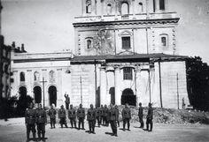 Lublin, okupanci na Placu Katedralnym World War Ii, Poland, Louvre, Building, Travel, Historia, World War Two, Viajes