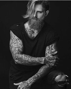 Let's specifically discuss Josh Mario John's haircut, hairstyles and hair in this thread. Josh Mario John is a male model who has been known for his man bun hairstyle as well as his different Undercut Josh Mario John, Beard Styles For Men, Hair And Beard Styles, Bart Styles, Tattoo For Boyfriend, Look Man, Inked Men, Beard Balm, Beard Tattoo