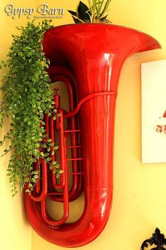 repurposed red hot tuba to decorative wall planter crafts gardening home decor painted furniture repurposing upcycling Cactus E Suculentas, Funky Home Decor, Repurposed Items, Upcycled Crafts, Vintage Planters, Yard Art, Painted Furniture, Diy Projects, Wall Decor