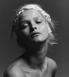 Carmen Kass, Estonia model for Narciso Rodriguez For Her Ad Campaign   via www.orientsystem.com