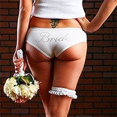 take some racy pre-wedding shots to gift to your groom (and immortalize your hot bod)