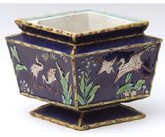 George Jones Majolica diamond shaped Jardinière with central liner, the body decorated with Cranes International Society, Ceramic Boxes, George Jones, Aesthetic Movement, Antique Auctions, Elegant Table, Diamond Shapes, Crane, Vases