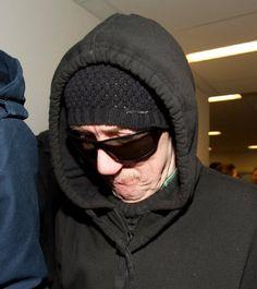Street-Art-Künstler oder Vandale? Auf jeden Fall ein scheuer Sonderling: Josef F. (61) hat schon acht Jahre in Haft verbracht, sprayt immer weiter.