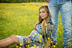 I cant get enough of these pictures from my maternity photo shoot with Maria from Bumble Alley Photography....