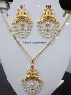 Sublime Beautiful jewelry boho hippie,Fashion jewelry choker and Minimalist jewelry rings. Gold Earrings Designs, Gold Jewellery Design, Bead Jewellery, Necklace Designs, Beaded Jewelry, Gold Designs, Fancy Jewellery, Quartz Jewelry, Designer Jewellery