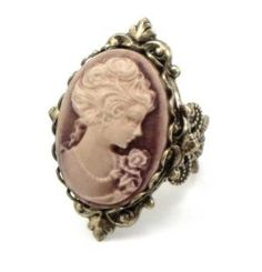 This has to be the prettiest Cameo ring I've seen. Love Cameos because they remind me of my Grandma :)