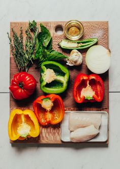 Herb Baked Fish with Rainbow Bell Peppers VIBRANT Baked White Fish with Rainbow Bell Peppers! Socca Pizza, Baked Fish, Baked Salmon, Baked Tilapia, Cabo San Lucas, Fish Recipes, Seafood Recipes, Green Rice Recipe, Quinoa Burger